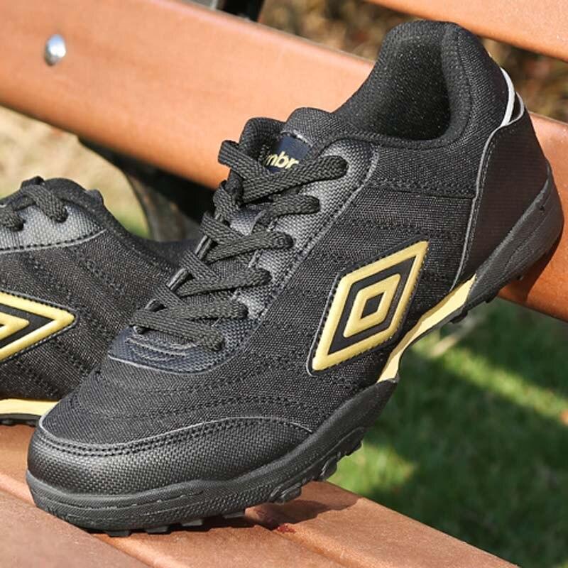 Breathable Men's Football Shoes